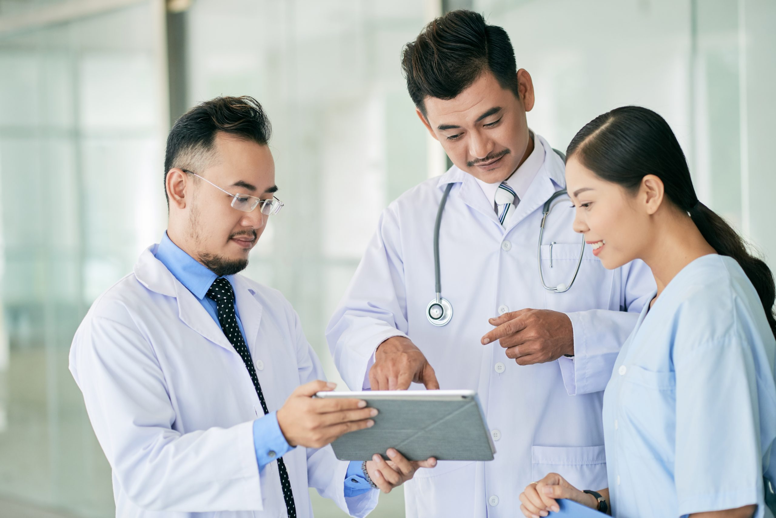 doctor-stethoscope-sitting-people